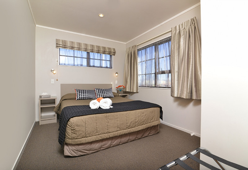 Knightsbridge Court Motel RBPHOTO 18